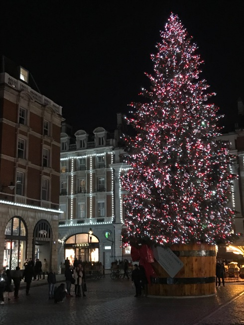 ChristmasTreeAtCoventGardenLondon